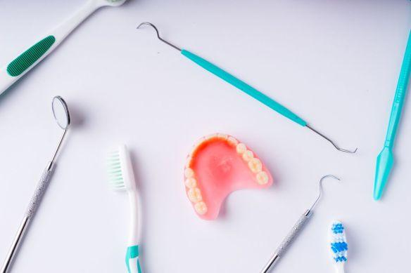 nettoyage-prothèse-dentaire. Clinique dentaire Saint Charles